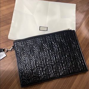 GUCCI GG QUILTED LEATHER POUCH